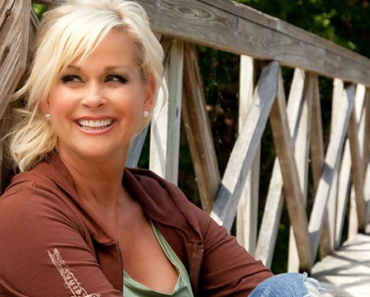 """The Story Behind The Song: """"Something In Red"""" – Lorrie Morgan"""
