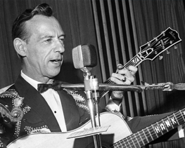 LEGENDS OF COUNTRY MUSIC: Hank Snow