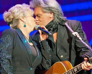 Connie Smith and Marty Stuart — Country's Greatest Love Stories