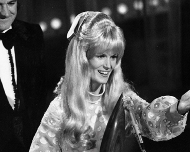 """The Story Behind The Song: """"How Can I Unlove You"""" – Lynn Anderson"""