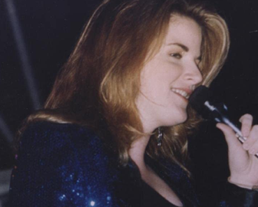 """Trisha Yearwood Made a History With Her First Ever Hit, """"She's in Love With the Boy"""""""