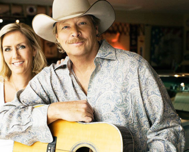 Alan Jackson and his wife Denise: Their love story