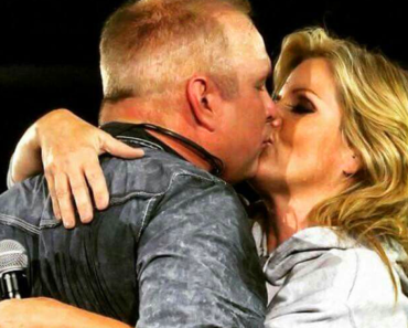 Garth Brooks and Trisha Yearwood: A Country Superstar Love Story