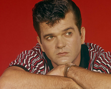 """The Story Behind The Song: """"Happy Birthday Darlin'"""" – Conway Twitty"""