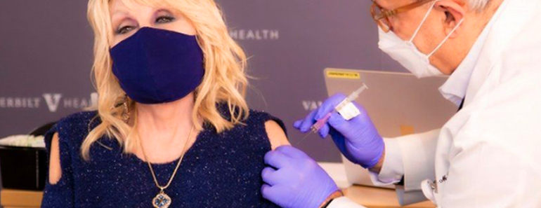 Dolly Parton Receives the COVID Vaccine She Helped Fund