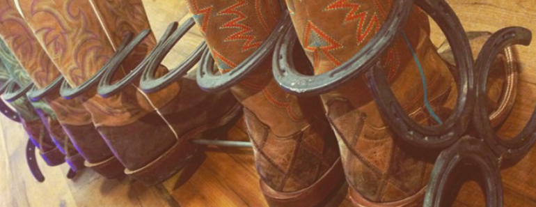 How to Make an Awesome Boot Rack out of Horseshoes
