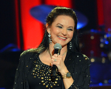 """The Story Behind The Song: """"'Til I Gain Control Again"""" – Crystal Gayle"""