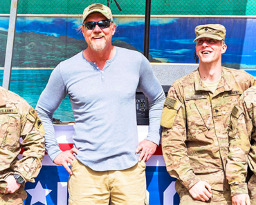Trace Adkins Honors U.S. Military Veterans With New Song 'The Empty Chair'