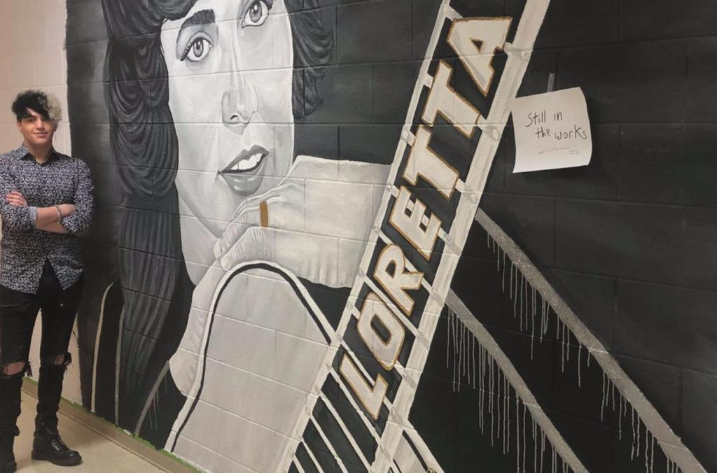 Appalachian artist paints Loretta's likeness at the MAC