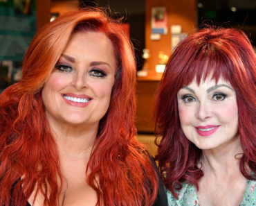 """The Story Behind The Song: """"Mama He's Crazy"""" – The Judds"""