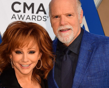 """Reba McEntire Talks Possibility Of Marriage To Boyfriend Rex Linn, """"We've Giggled About It"""""""