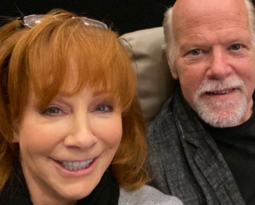 """Reba Describes Her Relationship With Rex Linn, Says They're """"Inseparable"""""""
